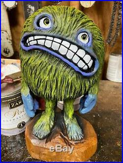 ORIGINAL Chainsaw Carved MONSTER CREATURE DUDE Statue Oak Wood, ART Sculptures