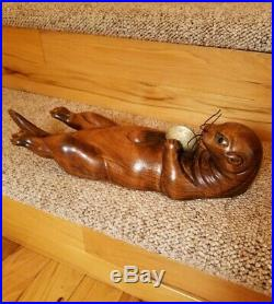 Rare Tom Taber Wood Carving River Sea Otter Clam 15 Glass Eyes Sculpture Signed